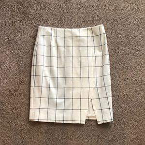 Banana Republic cream pencil skirt
